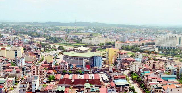Thành phố Móng Cái được công nhận là đô thị loại 2 (ảnh Báo Quảng Ninh)